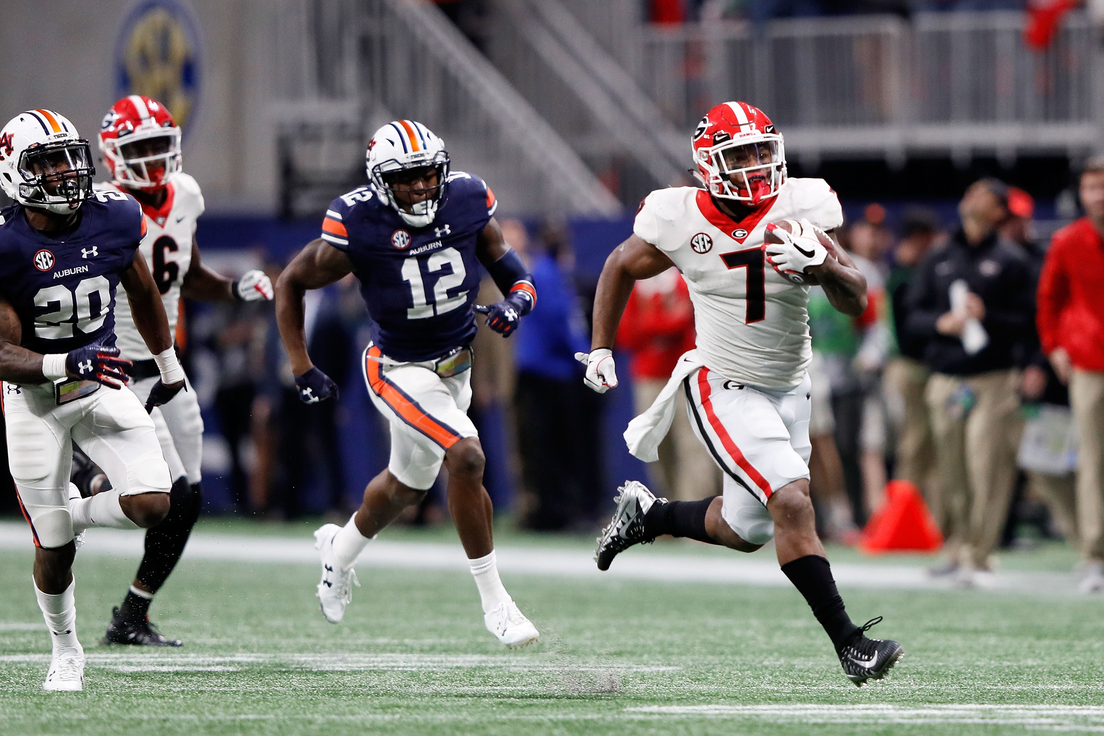 Georgia loses star nation's top linebacker Roquan Smith early to NFL Draft